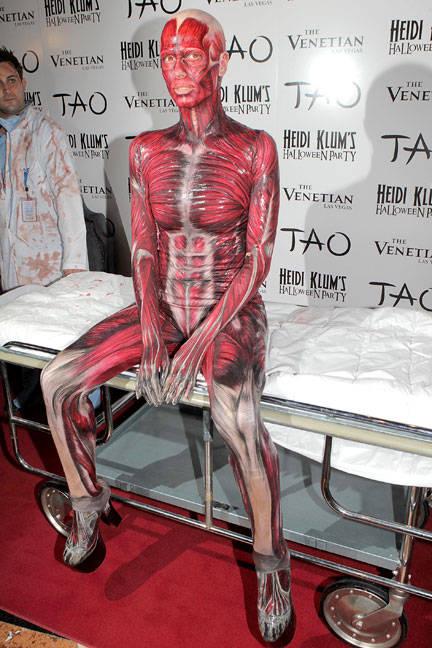 https://www.taskpr.com/wp-content/uploads/2012/10/elle-001-halloween-heidi-klum-costume-lgn-lgn.jpg